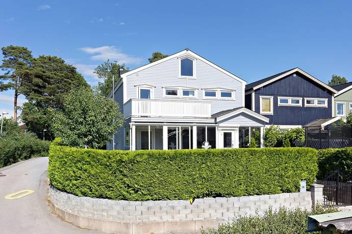 Bild: 6 rum radhus på Barnhemsvägen 56, Stockholms kommun Hässelby Norra Villastad