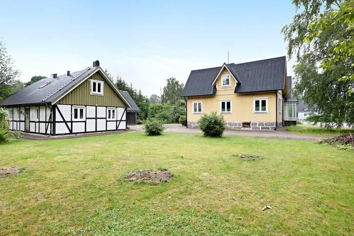 Bild: 12 rum villa på Östra Storgatan 28 och Stensätersvägen 4, Hässleholms kommun HÄSTVEDA