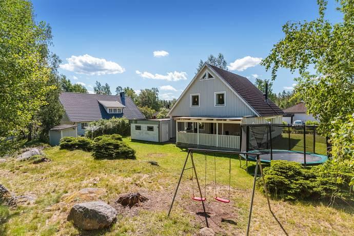 Bild: 10 rum villa på Orrvägen  1, Lessebo kommun Hovmantorp