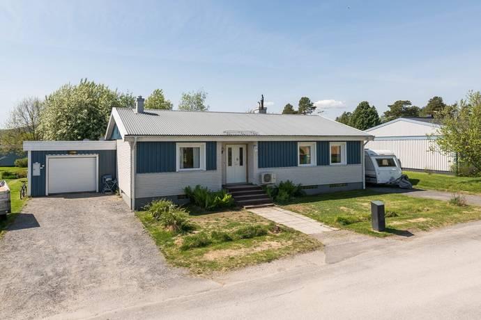 Bild: 7 rum villa på Flöjtvägen 11, Örnsköldsviks kommun Åmynnet