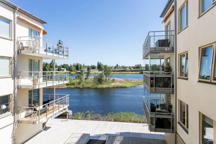 Bild: 3 rum bostadsrätt på Råtorpsvägen 8 A, Karlstads kommun Råtorp