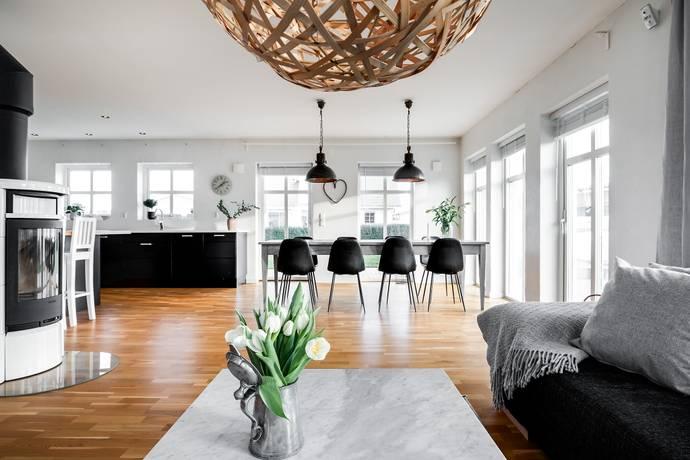Bild: 6 rum villa på Giggvägen  3, Helsingborgs kommun Laröd
