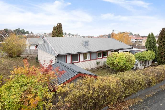 Bild: 5 rum villa på Sandviksvägen 103, Stockholms kommun Hässelby Villastad Södra