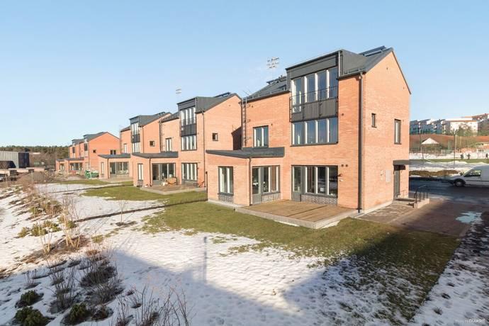 Bild: 7 rum villa på Ryttmästarvägen 63, Sundbybergs kommun Sundbyberg - Rissne
