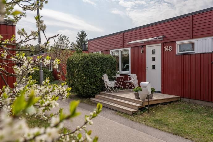 Bild: 5 rum radhus på Porsvägen 148, Sollentuna kommun Vaxmora