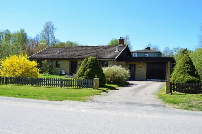 Bild: 4 rum villa på Brånavägen 15, Ljungby kommun Agunnaryd