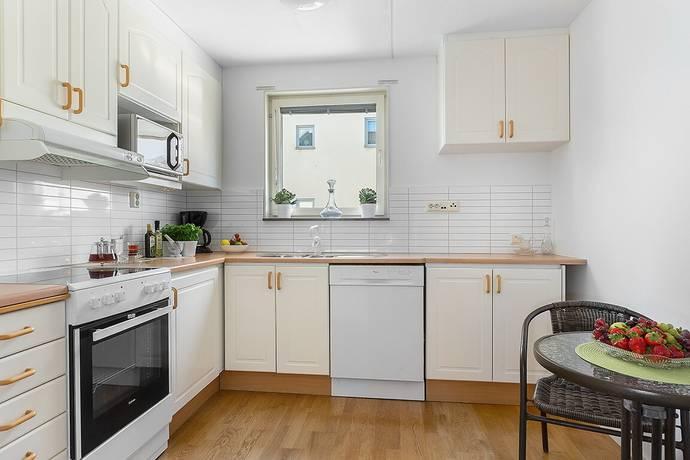 Bild: 2 rum bostadsrätt på Jellingegränd 4, 2 tr, Stockholms kommun Kista - Ärvinge