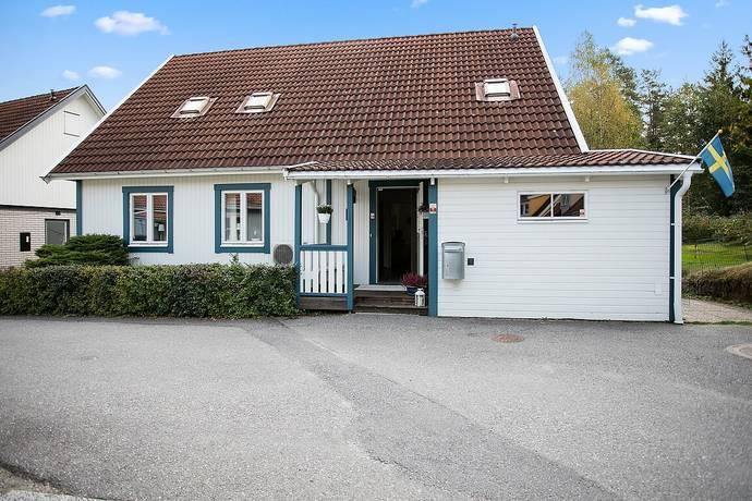 Bild: 7 rum villa på Åkerbärsvägen 11, Nykvarns kommun Nykvarn