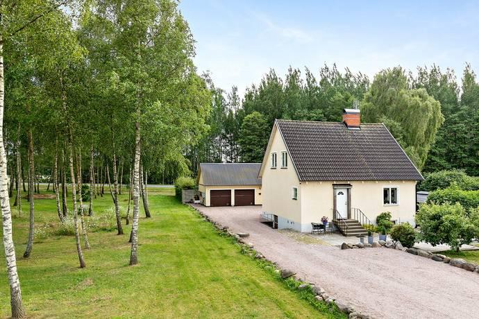 Bild: 5 rum villa på Backagårdsvägen 7-11, Kristianstads kommun Träne