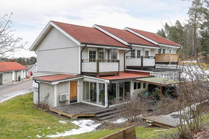 Bild: 4 rum bostadsrätt på Tallebovägen 1A, Köpings kommun