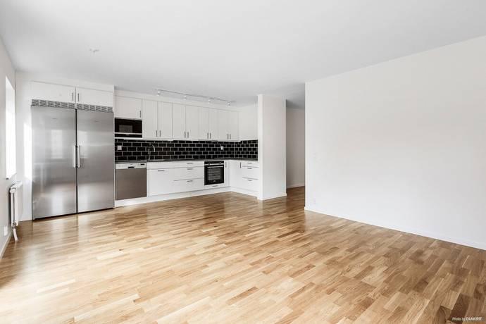 Bild: 2 rum bostadsrätt på Lillbackavägen 13, Örebro kommun Södra Ladugårdsängen