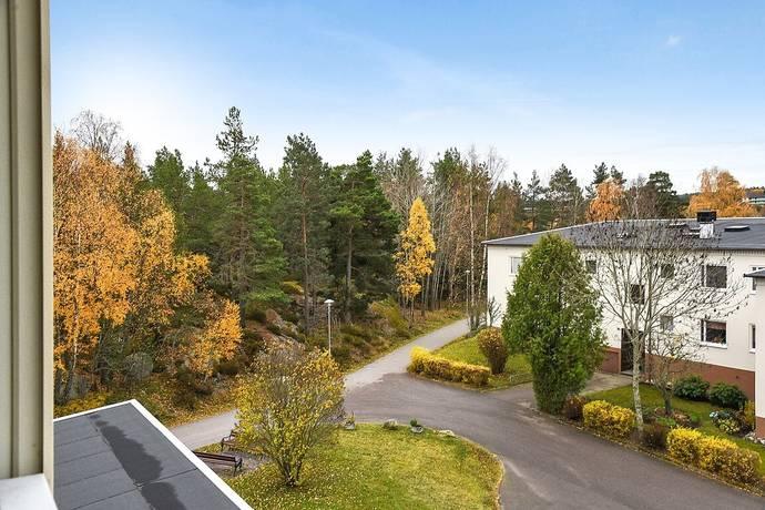 Bild: 3 rum bostadsrätt på Björnskogsvägen 72, Värmdö kommun Gustavsberg Lugnet