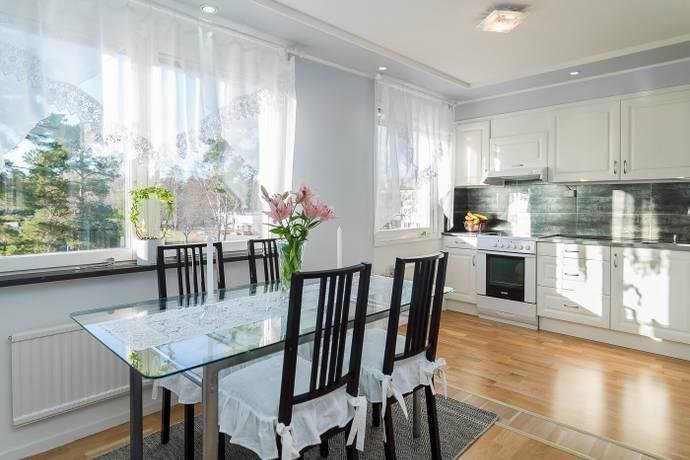 Bild: 4 rum bostadsrätt på Sleipnervägen 93, 3 tr, Haninge kommun Centrala Handen