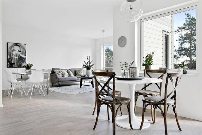 Bild: 6 rum villa på Tycho Brahes väg 39 - Hus 13, Botkyrka kommun Tumba