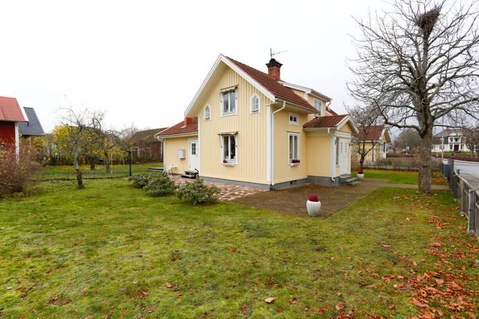 Bild: 4 rum villa på Hammargatan 8, Kumla kommun