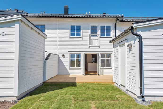 Bild: 5 rum radhus på Kråkbärsvägen 4 A, Norrtälje kommun Solbacka