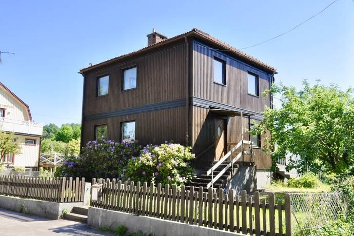 Bild: 8 rum villa på Södra vägen 4, Markaryds kommun Strömsnäsbruk