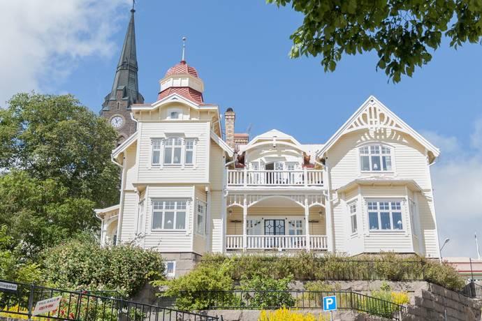 Bild: 14 rum villa på Rosviksgatan 8, Lysekils kommun Lysekil
