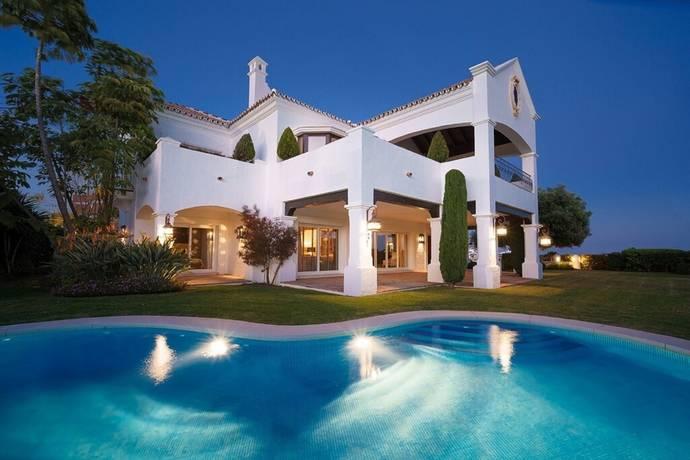 Bild: 6 rum villa på Stilren villa med härlig panorama vy!, Spanien Marbella - Atalaya
