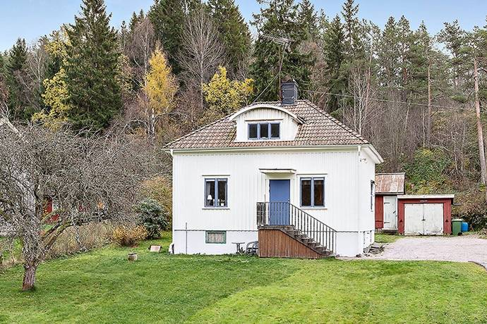 Bild: 3 rum villa på Trollhättevägen 83, Trollhättans kommun Sjuntorp