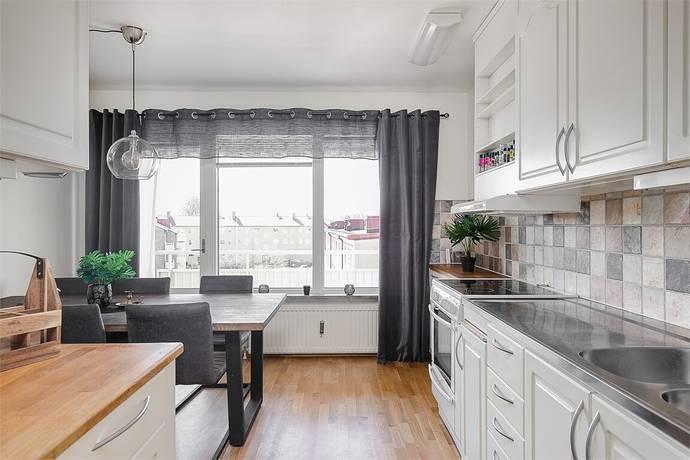 Bild: 3 rum bostadsrätt på Skaragatan 22A, Lidköpings kommun Gamla Staden