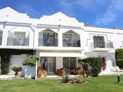 Bild: 4 rum radhus på Townhouse, Marbella - Nueva Andalucia - Costa del Sol, ES, Spanien Nueva Andalucia