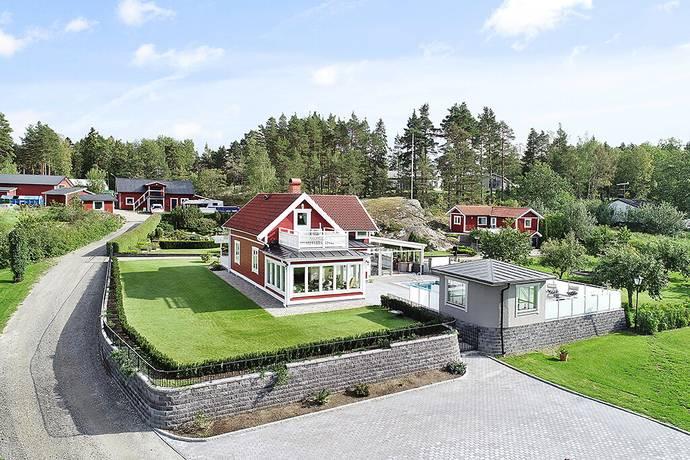 Bild: 4 rum villa på Karlskärsvägen 38, Ekerö kommun Färentuna