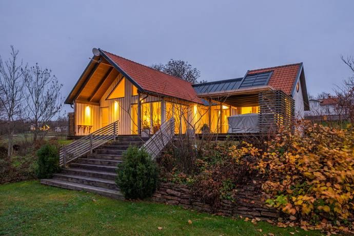 Bild: 5 rum villa på Norrbackagatan 15, Borgholms kommun Halltorp