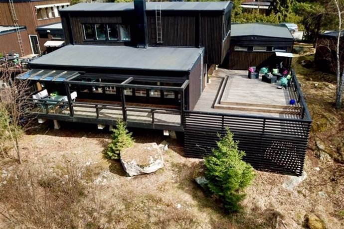 Bild: 5 rum villa på Ramundvägen 14, Ekerö kommun