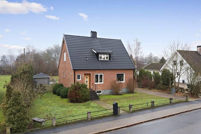 Bild: 6 rum villa på Hasslarödsvägen 9, Osby kommun Osby