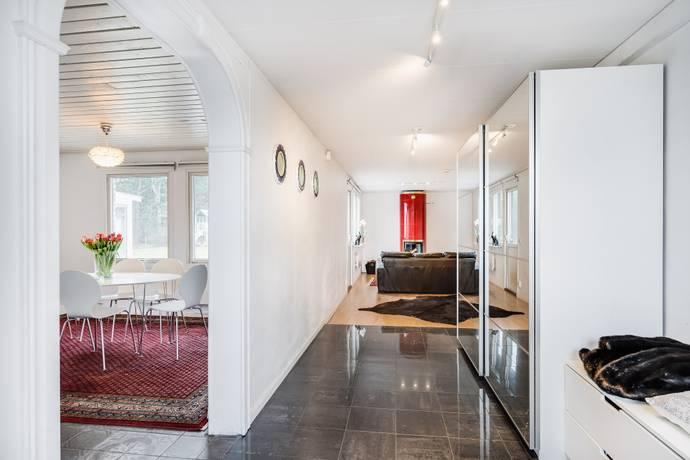 Bild: 6 rum villa på Osbyvägen 14, Laholms kommun Mellbystrand