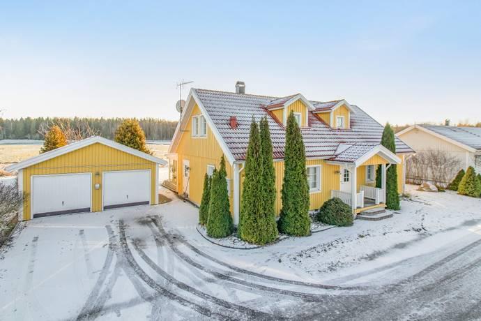 Bild: 6 rum villa på Ruagatan 24, Västerås kommun Barkarö