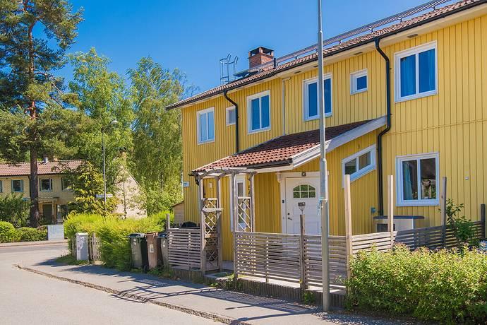 Bild: 5 rum radhus på Letstigen 54, Stockholms kommun Bagarmossen