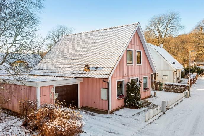 Bild: 6 rum villa på Mörkagårdsgatan 10, Falköpings kommun Mösseberg