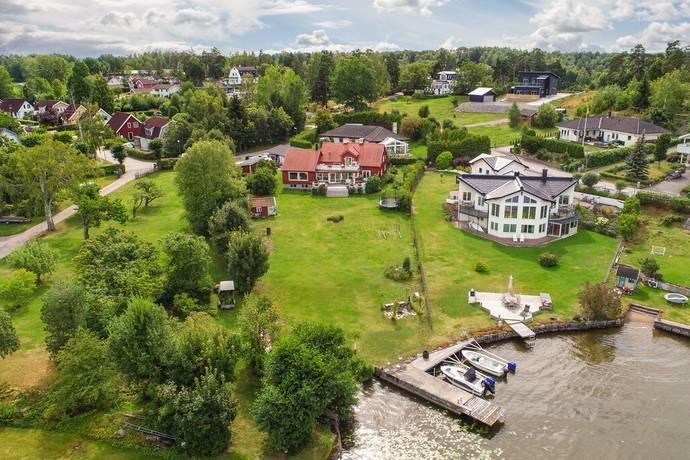 Bild: 6 rum villa på Strandvägen 1B, Eskilstuna kommun
