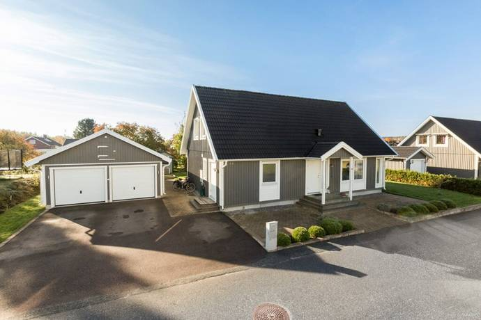 Bild: 7 rum villa på Torkels väg 33, Örebro kommun Marieberg