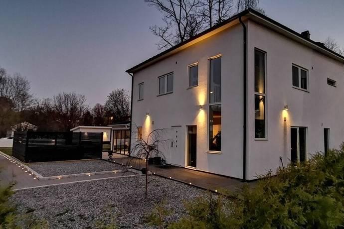 Bild: 7 rum villa på Österskärsvägen 32, Österåkers kommun Österskär