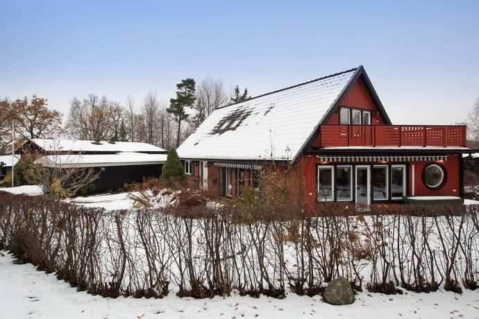 Bild: 6 rum villa på Korgpilsgränd 9, Stockholms kommun Hässelby Norra Villastad