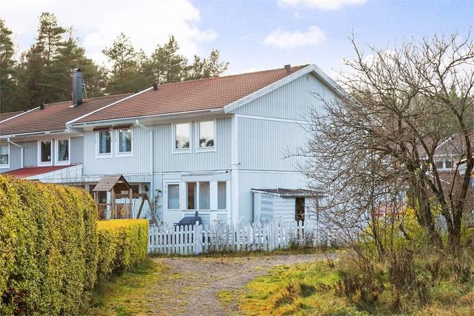 Bild: 4 rum radhus på Maria Höglunds väg 63, Värmdö kommun Ängsvik