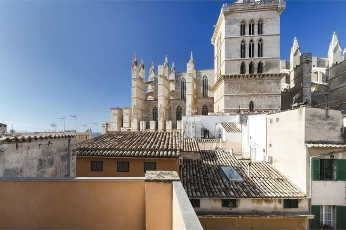 Bild: 9 rum radhus på Två hus intill Palmas katedral, Spanien Palma | Mallorca