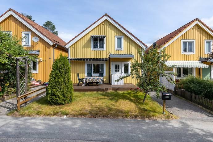 Bild: 7 rum radhus på Måttgränd 54, Umeå kommun Västra Ersboda