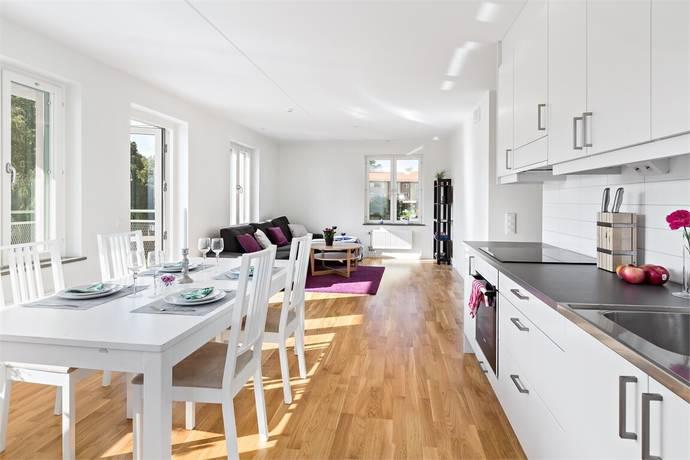 Bild: 4 rum bostadsrätt på Ulvsättragränd 10, Järfälla kommun Kallhäll