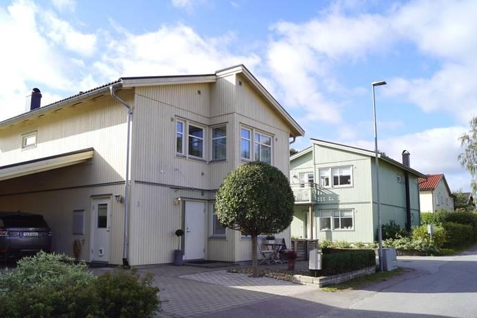 Bild: 5 rum villa på Hagtornsvägen 3, Danderyds kommun Enebyberg