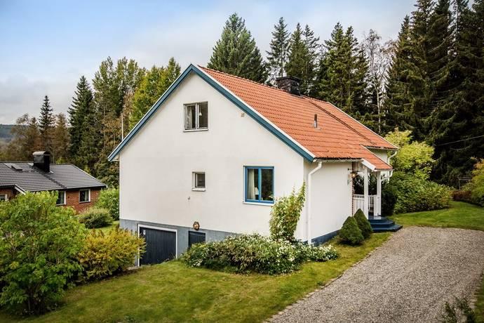 Bild: 6 rum villa på Runstensvägen 12, Härnösands kommun