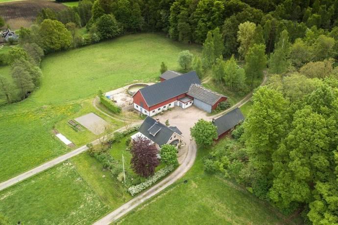 Bild: 6 rum gård/skog på Kärr 177, Laholms kommun Våxtorp-Vallåsen