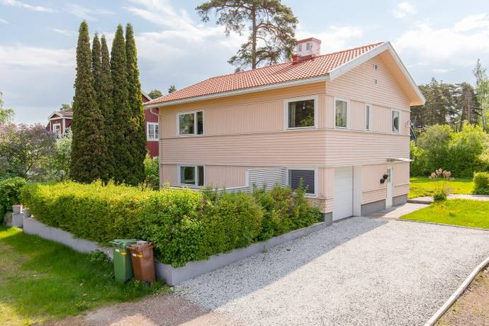 Bild: 4 rum villa på Djurgårdsvägen 11, Kristinehamns kommun Sanna