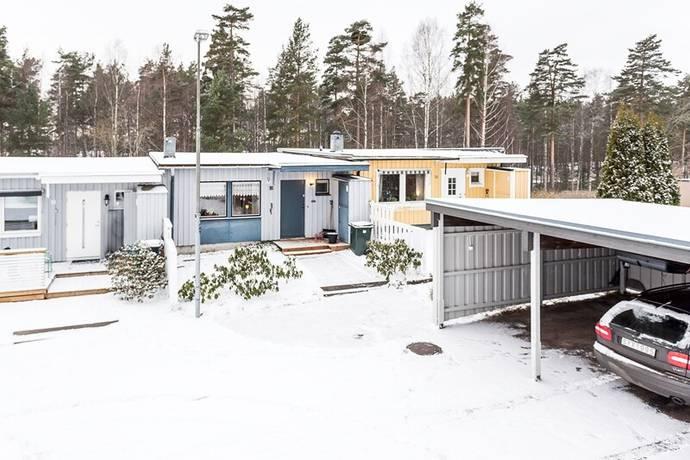 Bild: 3 rum radhus på Källmyrsgatan 16, Karlstads kommun Stockfallet