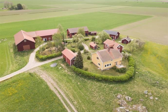 Bild: 6 rum gård/skog på Varmsätra Per-Anders 180 och 181, Sala kommun Varmsätra