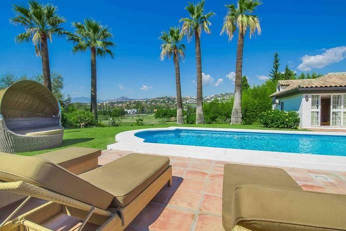 Bild: 8 rum villa på Frontline golf Los Naranjos - Fantastisk villa i andalusisk stil!, Spanien Marbella- Nueva Andalucia