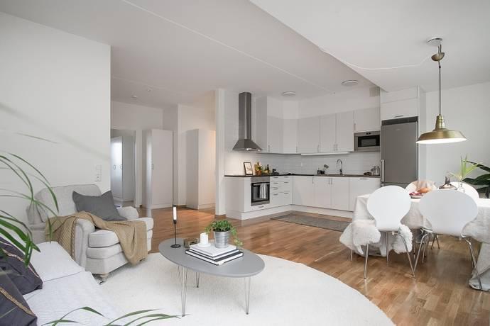Bild: 2 rum bostadsrätt på Karlsdalsallén 40, Örebro kommun Sörbyängen